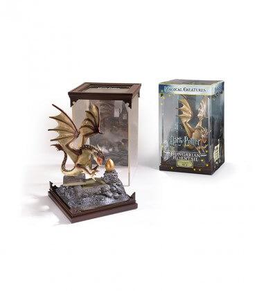 Figurine Créature Magique : Dragon Magyar à pointes,  Harry Potter, Boutique Harry Potter, The Wizard's Shop