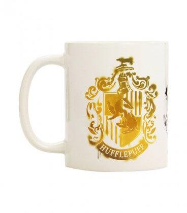 Mug Ecusson Poufsouffle Tie and Dye Blanc,  Harry Potter, Boutique Harry Potter, The Wizard's Shop