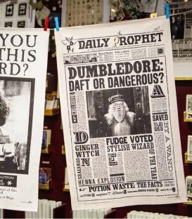 Tea towel - The Daily Prophet - Dumbledore: Daft or Dangerous?