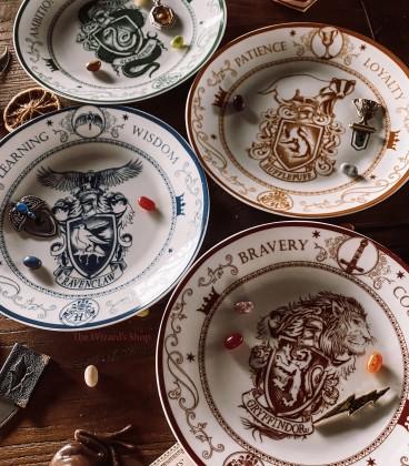 Set de 4 Assiettes Porcelaine Maisons Poudlard,  Harry Potter, Boutique Harry Potter, The Wizard's Shop