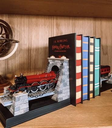 Serre-Livres Poudlard Express Harry Potter,  Harry Potter, Boutique Harry Potter, The Wizard's Shop