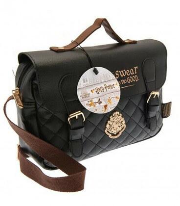 Sacoche Lunch Bag Poudlard Premium Matelassée Harry Potter,  Harry Potter, Boutique Harry Potter, The Wizard's Shop