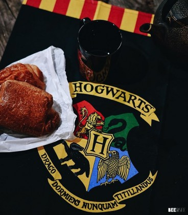 Torchon Harry Potter Hogwarts,  Harry Potter, Boutique Harry Potter, The Wizard's Shop