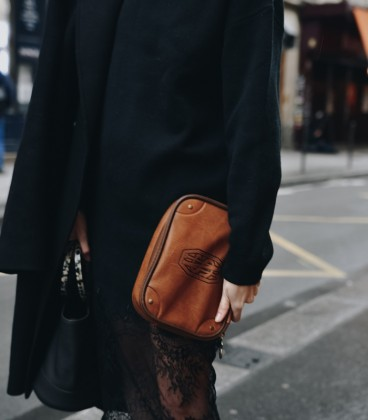 Fantastic Beasts Newt Scamanders Suitcase PVC Wash Bag Brown