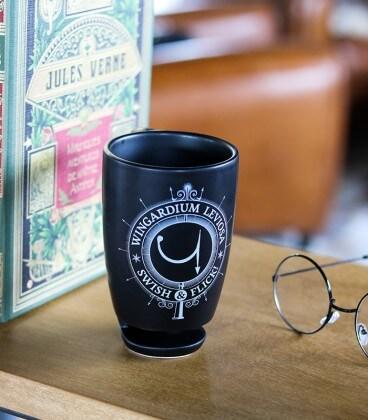 Mug Wingardium Leviosa avec effet de lévitation,  Harry Potter, Boutique Harry Potter, The Wizard's Shop