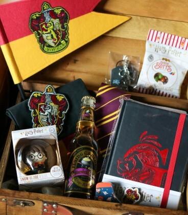 Mystery Box Gryffondor,  Harry Potter, Boutique Harry Potter, The Wizard's Shop
