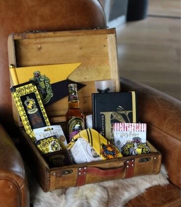 Mystery Box Poufsouffle,  Harry Potter, Boutique Harry Potter, The Wizard's Shop
